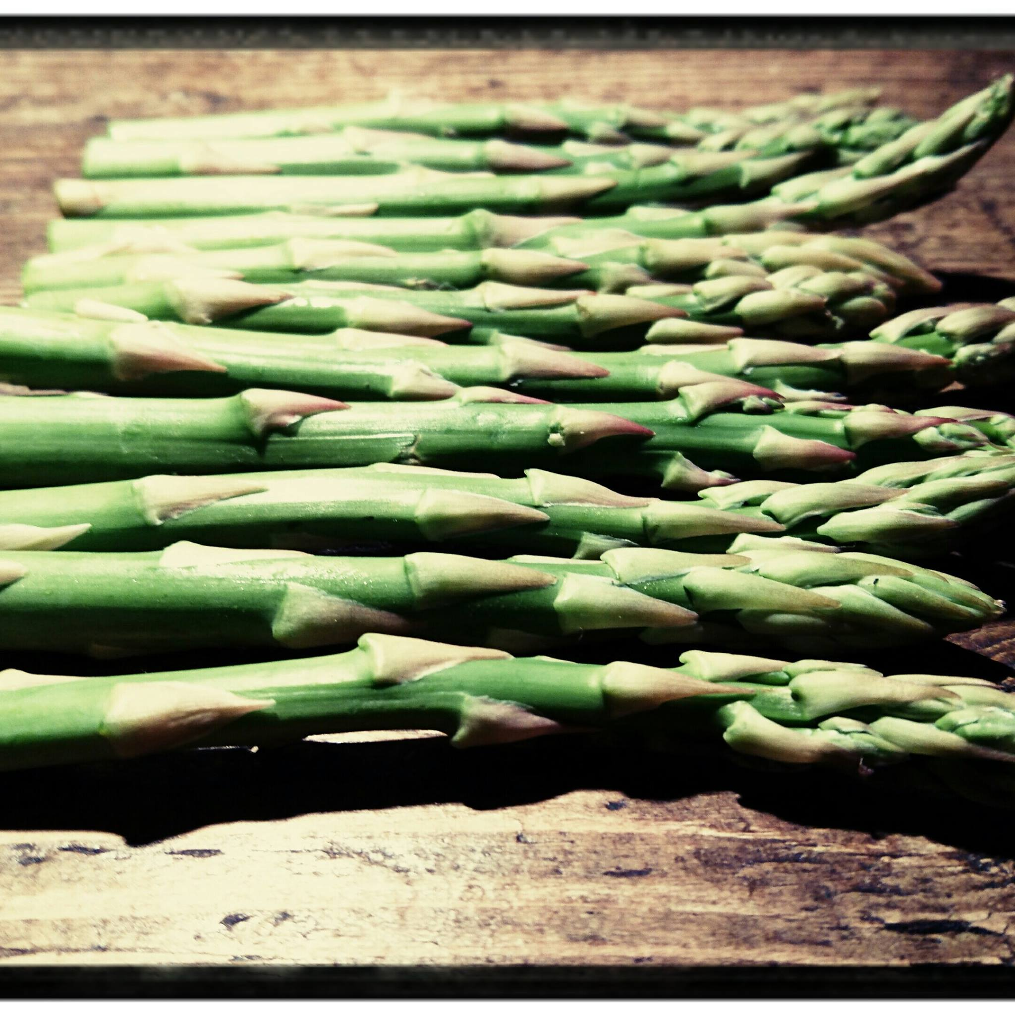 Why does my wee smell when I've eaten asparagus?